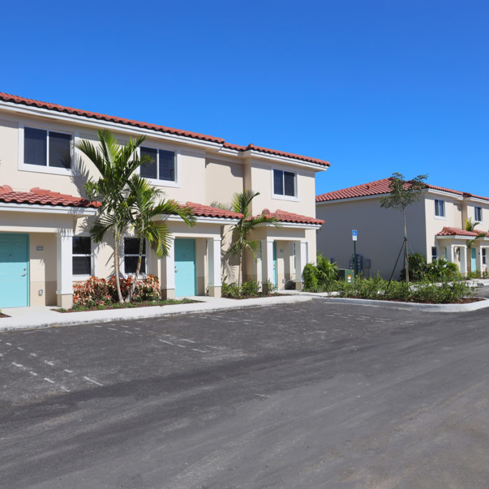 Exterior of Ambar Key Apartments