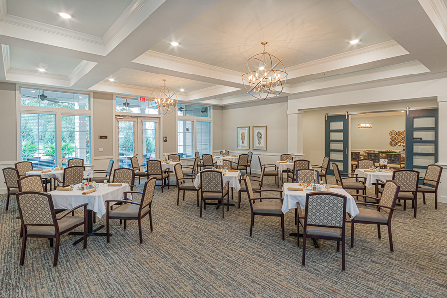 Community Dining Room of The Canopy on Berryhill assisted living apartments